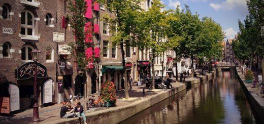 1024px-Amsterdam_28775804018029.jpg