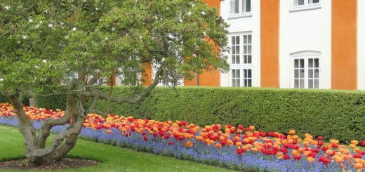 1024px-Entrance_garden_-_Frederiksberg_Have_-_Copenhagen_-_DSC08913.jpg