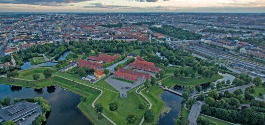 1024px-Kastellet_aerial.jpg