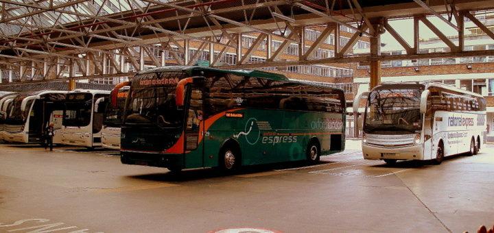 1024px-Victoria_Coach_Station2C_5_September_2010.jpg