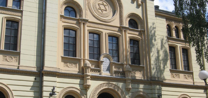 1090-Nozyk-Synagogue-Exterior.jpg