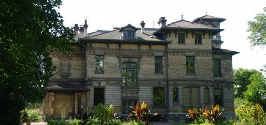 Villa Gillet dans le parc de la Ceriseraie à Lyon