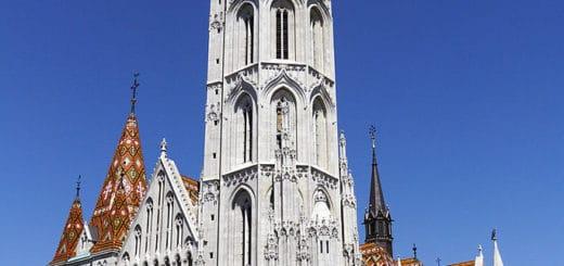682px-Matthias_Church_Budapest_2012.jpg