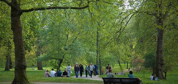 800px-Green_Park2C_London_-_April_2007.jpg