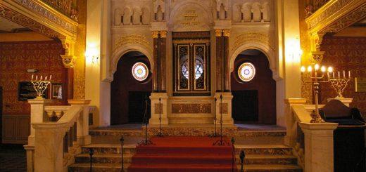 800px-Krakow_Synagoga_Tempel_20071111_1128_2086.jpg