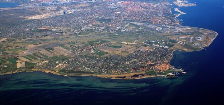 Copenhagen-Airport-from-air_28cropped29.jpg