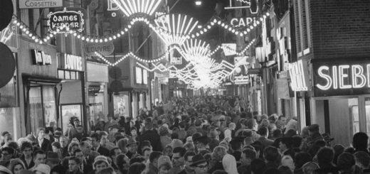 Koopavond_Amsterdam_1960.jpg