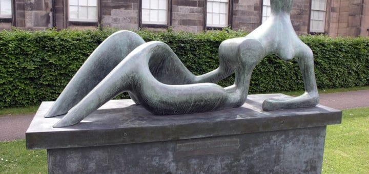 Scottish_National_Gallery_of_Modern_Art_Henry_Moore_2004_SMC.jpg