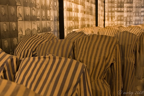 Musée d'Auschwitz - Photo de nertog - Walk With Me@Flickr