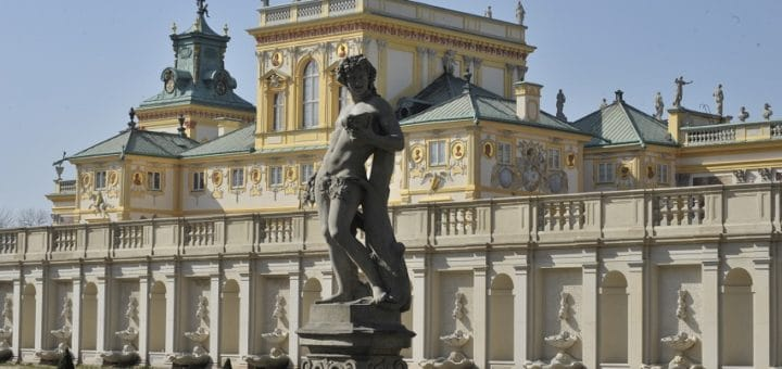 palac_od_ogrodu.jpg