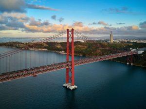Pont du 25 Avril et le pilier 7 à Lisbonne : 2 fois impressionnant !