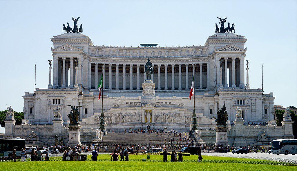 """""""Gateau de mariage"""" ou """"Machine à écrire"""" à Rome - Photo d'Alvesgaspar"""