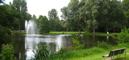 1024px-Amstelpark_water.jpg