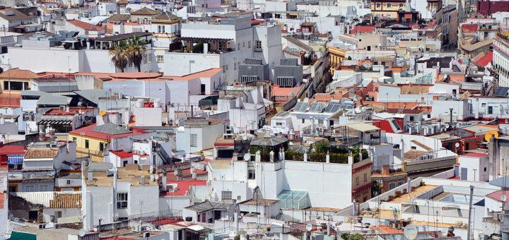 1024px-Casco_antiguo_Sevilla.jpg