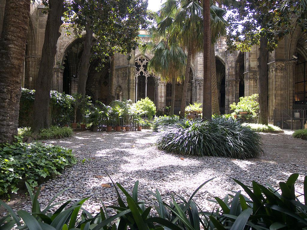 Cloître de la cathédrale de Barcelone. Photo de José Luis Filpo Cabana
