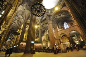 Cathédrale de Barcelone, son cloître et ses oies en mémoire de St Eulalie [Gotico]
