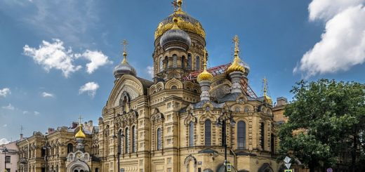 1024px-Church_of_the_Dormition_SPB_01.jpg