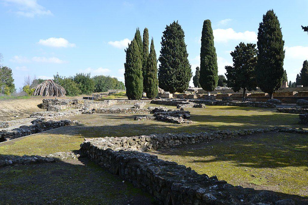 Ruine romaine à Itálica près de Séville : Bon parfois il faut un peu d'imagination - Photo d'Emilio J. Rodríguez Posada