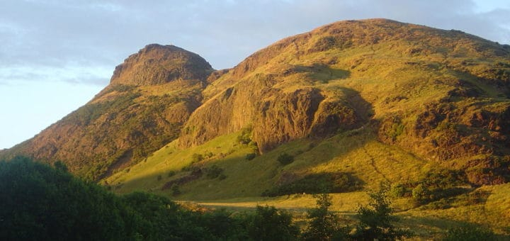 1024px-Edinburgh_Arthur_Seat_dsc06165.jpg