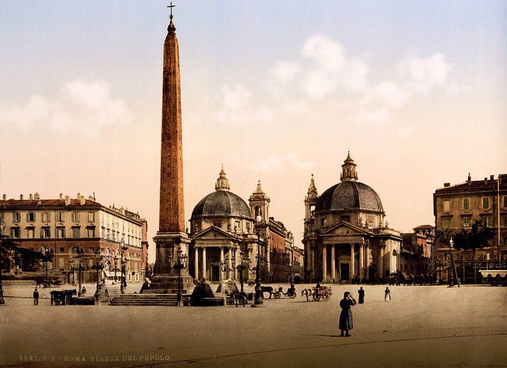 Piazza del Popolo à Rome avec son obélisque et ses églises jumelles vers 1895.