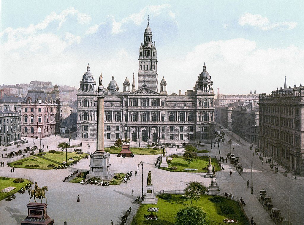 Glasgow city council et Georges square en 1900.