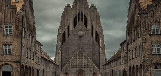 1024px-Grundvig_Memorial_Church_in_Copenhagen.jpg