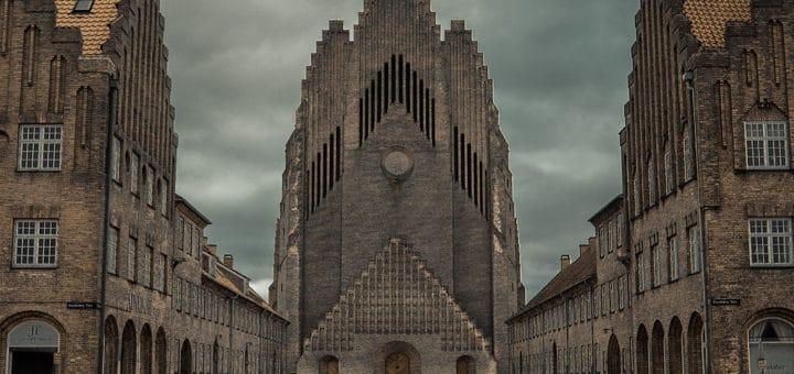 1024px-Grundvig_Memorial_Church_in_Copenhagen.jpg