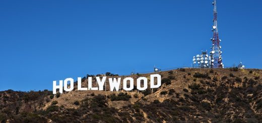 1024px-Hollywood_Sign.jpg