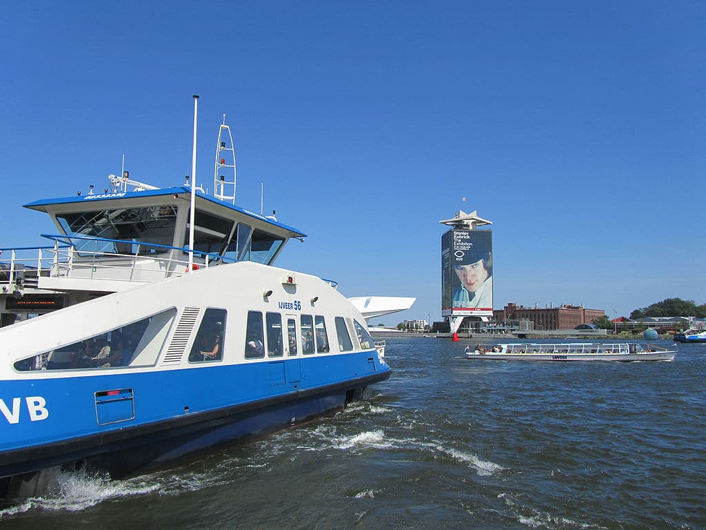 Ferry à Amsterdam pour le Nord : Pratique et gratuit
