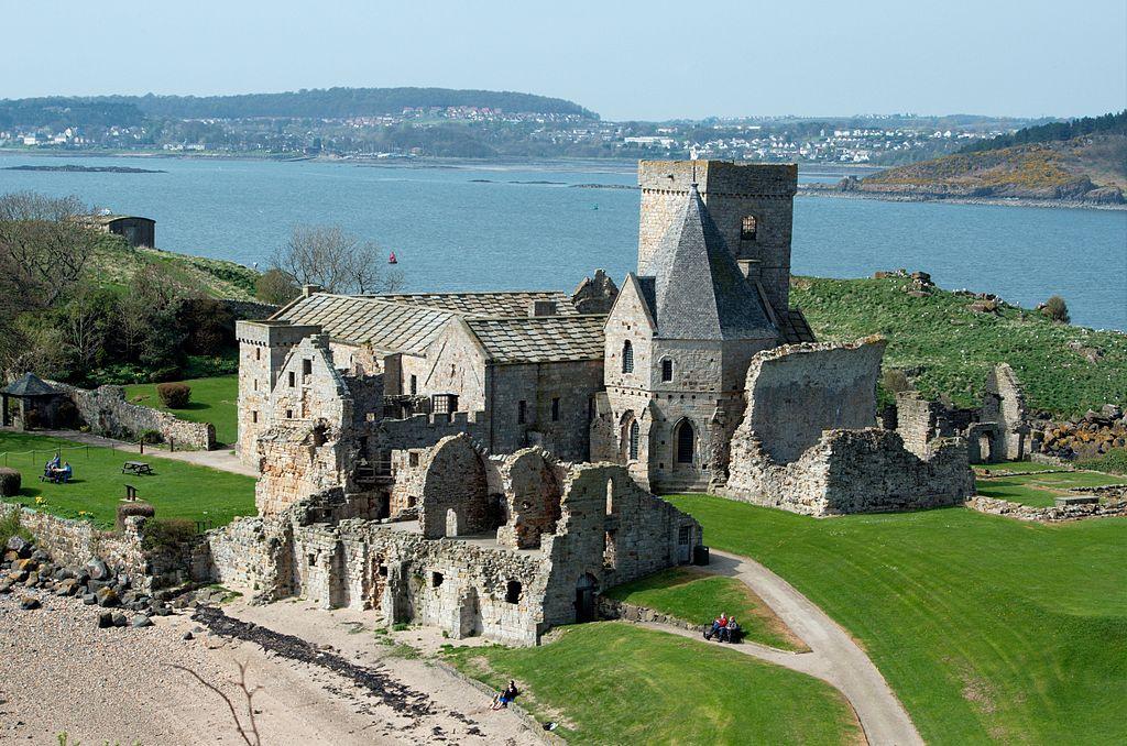Abbaye d'Inchcolm, monastère le mieux conservé d'Écosse près d'Edimbourg