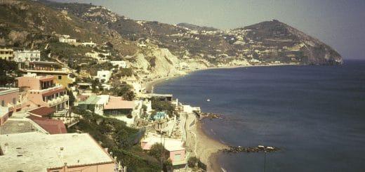1024px-Ischia1987-03_hg.jpg