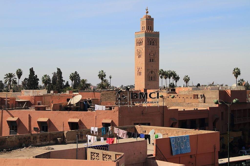 Vue sur le minaret de la Koutoubia à Marrakech.