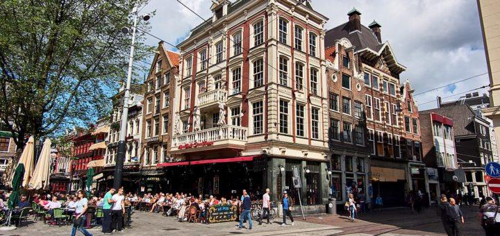 1024px-Leidseplein_hoek_Leidsestraat_foto_1.jpg