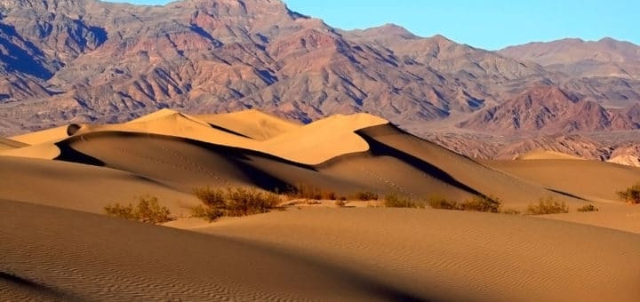 1024px-Mesquite_Sand_Dunes_in_Death_Valley.jpg
