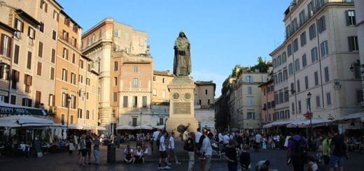 1024px-Monument_to_Giordano_Bruno_in_Campo_de27_Fiori_square_-_Rome2C_Italy_-_25_July_2014.jpg