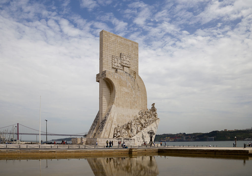 Monuments des découvertes dans le quartier de Belem à Lisbonne - Photo de Diego Delso