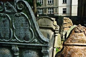 Ancien cimetière juif de Prague : Exceptionnel et décevant [Josefov]