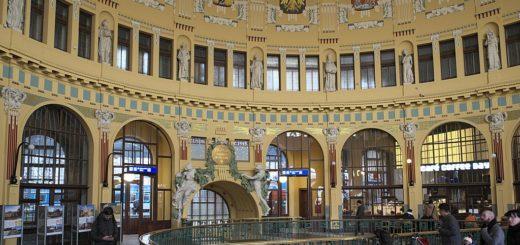 1024px-Prag_Hauptbahnhof_431.jpg