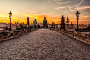 Pont Charles à Prague : Incontournable monument baroque ! [Vieille ville et Mala Strana]