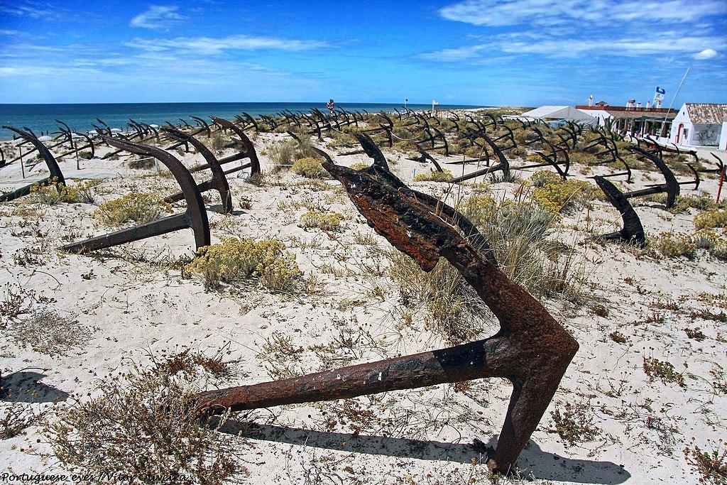 L'insolite cimetière d'ancres de Praia do Barril près de Tavira - Photo de Vitor Oliveira