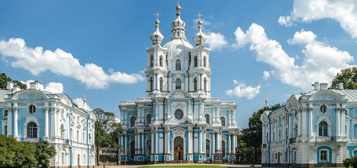 1024px-Smolny_Cathedral_SPB_02.jpg