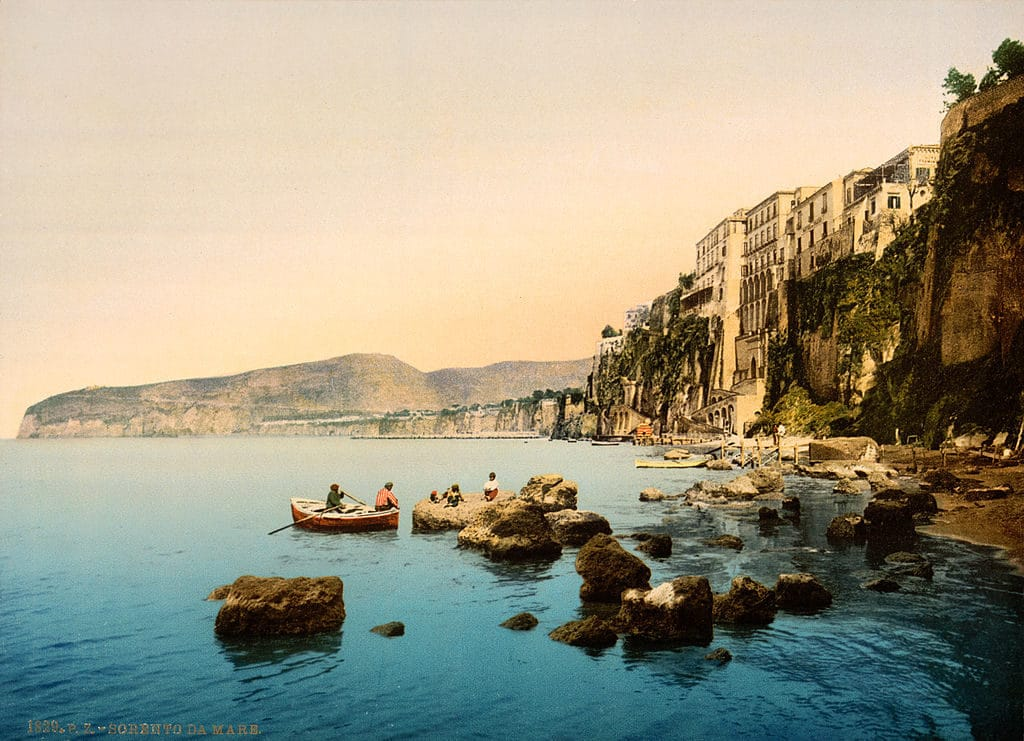 Vue sur Sorrento près de Naples vers 1895.