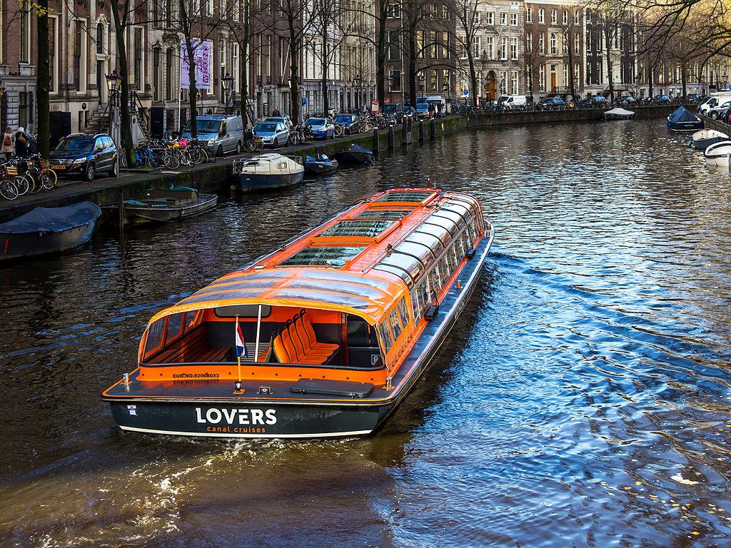 Balade en péniche sur les canaux d'Amsterdam.