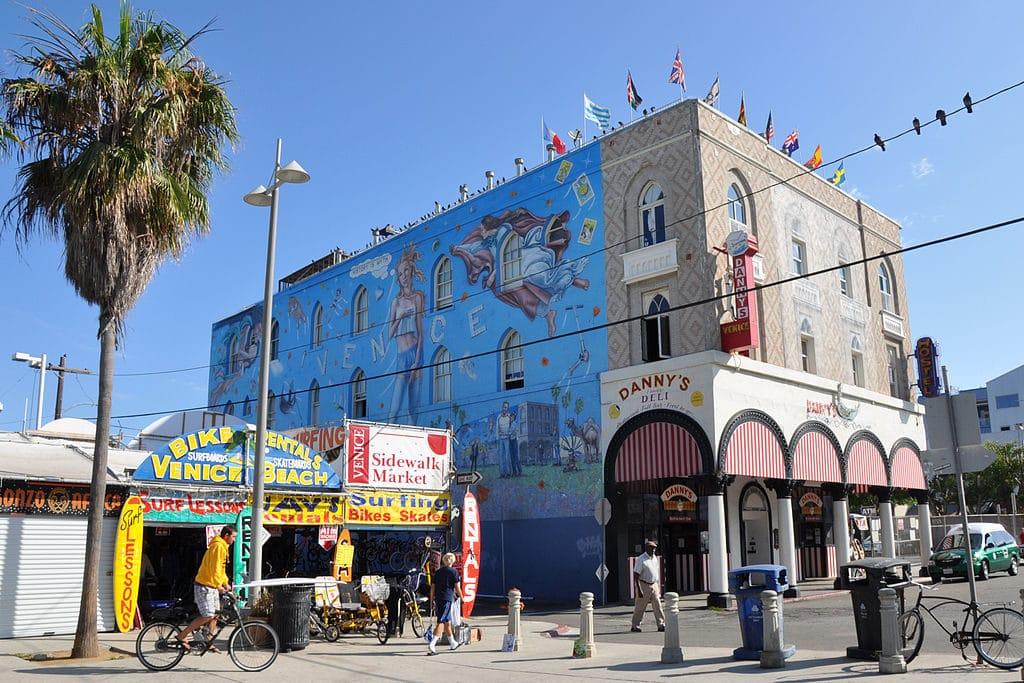 Palazzo Ducale à Venice Beach, Los Angeles - Photo de Sidvics