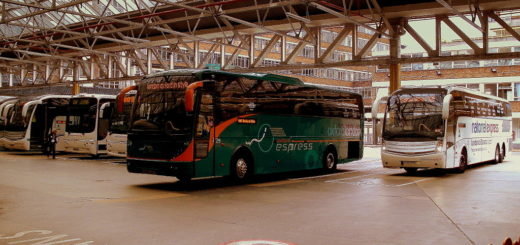 1024px-Victoria_Coach_Station2C_5_September_2010.jpg