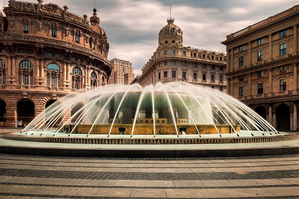 Piazza De Ferrari Monumentale Place De G 234 Nes San