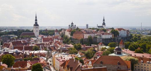 1024px-Vistas_panorC3A1micas_desde_la_iglesia_de_San_Olaf2C_Tallinn2C_Estonia2C_2012-08-052C_DD_31.jpg