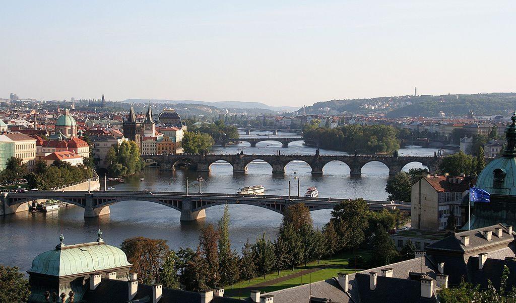 Vltava entre le quartier de Mala Strana et Nove Mesto à Prague