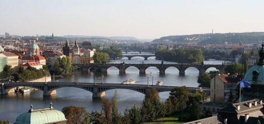 1024px-Vltava_in_Prague.jpg