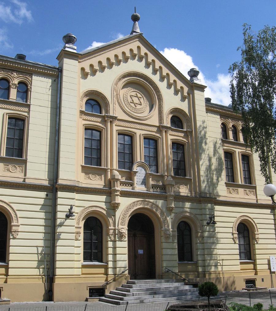 Synagogue Nozyk à Varsovie : Unique lieu de culte juif d'avant guerre [Centre-Nord]